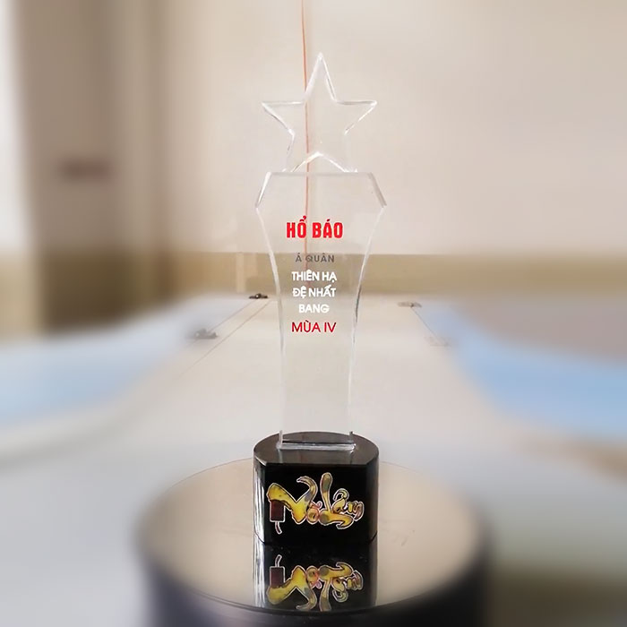 Cúp pha lê biểu tượng ngôi sao