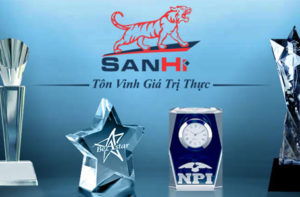 kỷ niệm chương pha lê thuỷ tinh sanhi