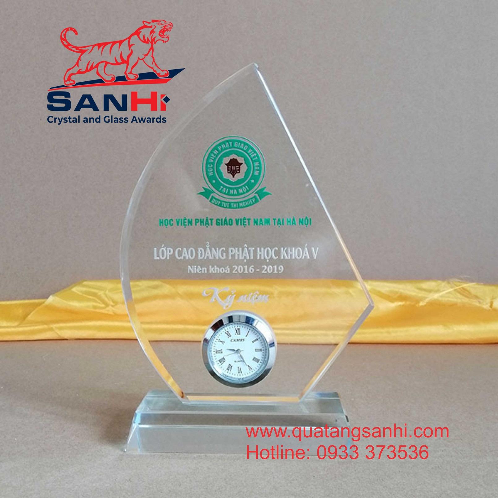 Kỷ Niệm Chương Pha Lê SanHi-PL013 gắn đồng hồ