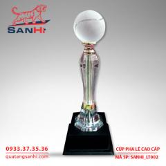 Cúp pha lê cao cấp biểu tượng SanHi-LT002