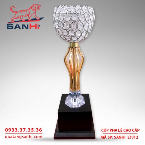 Cúp pha lê cao cấp chén thân vàng SanHi-LT012