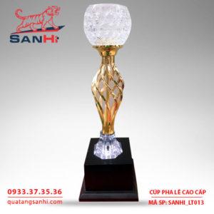 Cúp pha lê cao cấp chén thân vàng SanHi-LT013